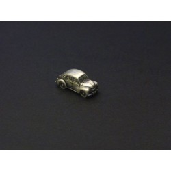 Miniature Renault 4cv, en étain 1/112e
