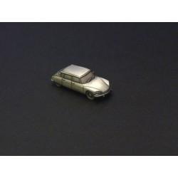 Miniature Citroën DS ou ID (DS21, DS23, DSuper), en étain 1/112e