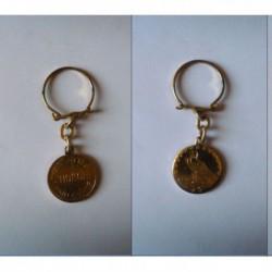 porte-clés biscotte St-Honoré, pièce dollar USA aigle (pc)