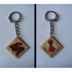 porte-clés Chez Antoinette, tissus broderies, Pointe à Pitre (pc)